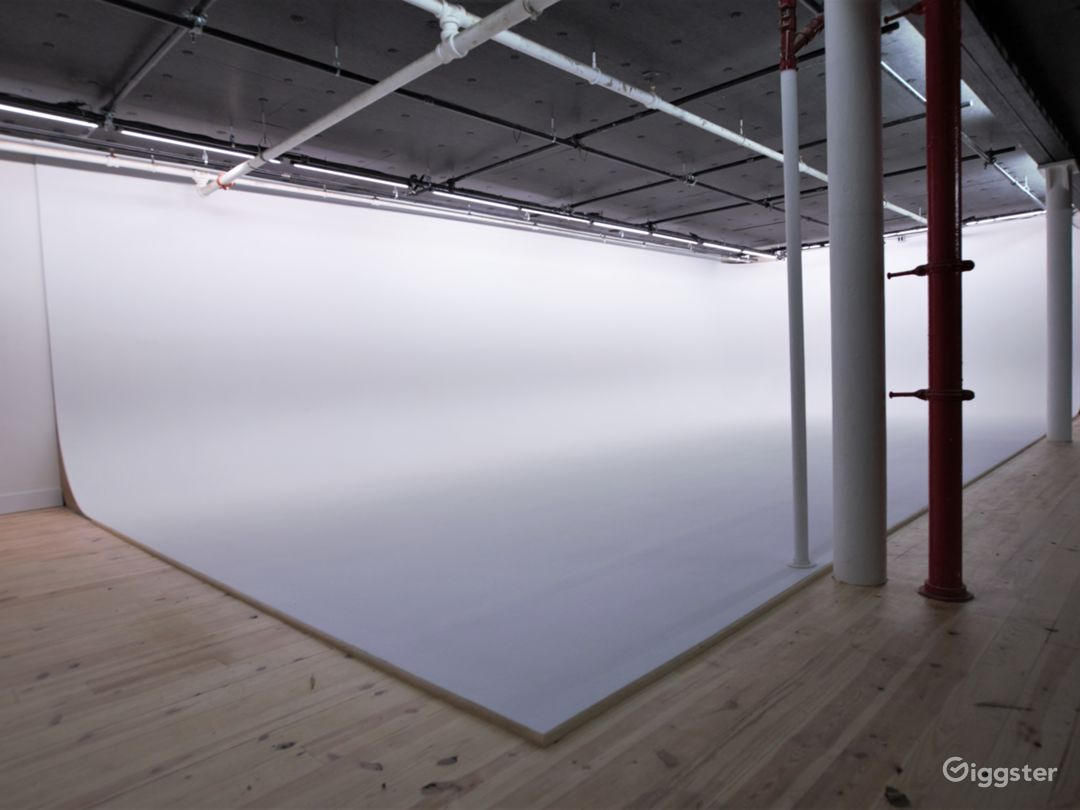 50' White Cyc' Stage located in Chelsea, Manhattan Photo 1