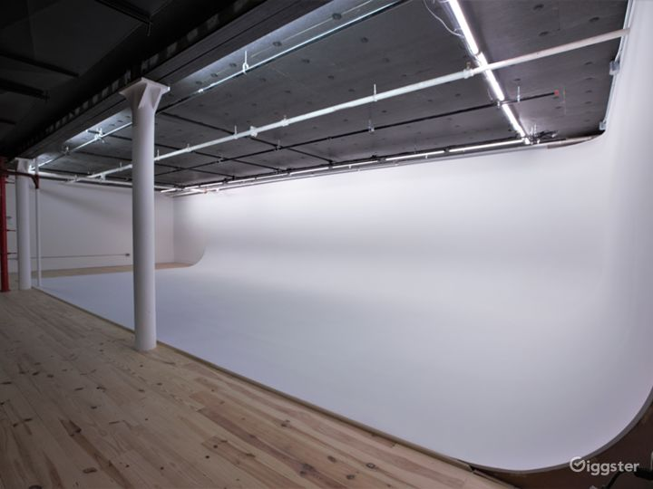 50' White Cyc' Stage located in Chelsea, Manhattan Photo 4