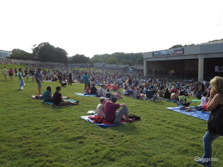 Premier Outdoor Concert Venue Photo 4