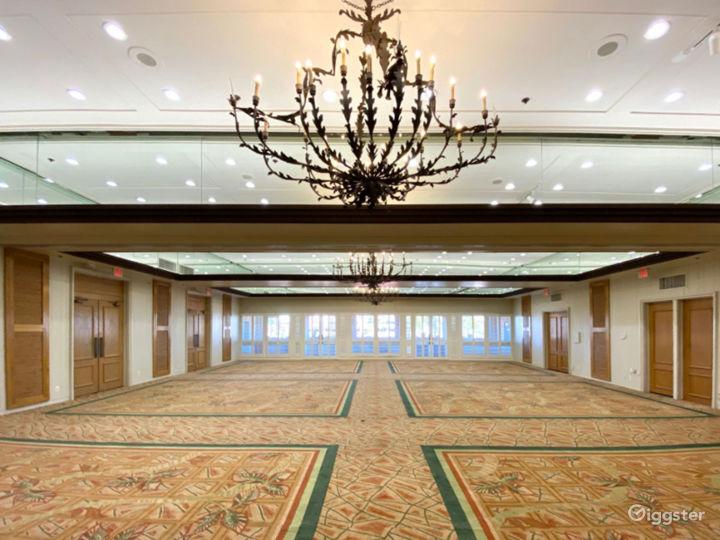 Beautiful Ballroom Foyer Photo 3