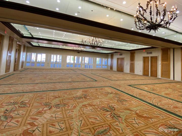 Beautiful Ballroom Foyer Photo 4