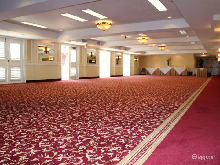 Beautiful Ballroom Foyer Photo 5
