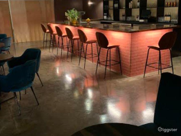 Elegant Lounge in Durham Photo 2