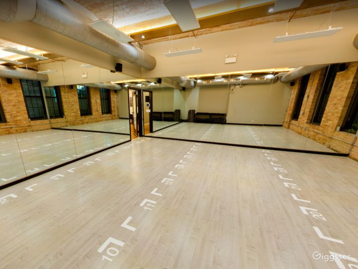 Small Studio Room for Yoga or Photoshoots  Photo 5