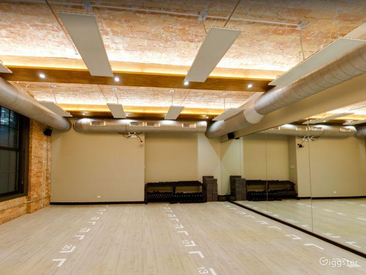 Small Studio Room for Yoga or Photoshoots  Photo 4