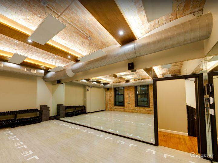 Small Studio Room for Yoga or Photoshoots  Photo 2