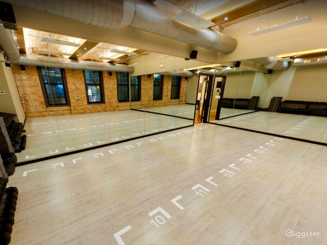 Small Studio Room for Yoga or Photoshoots  Photo 1