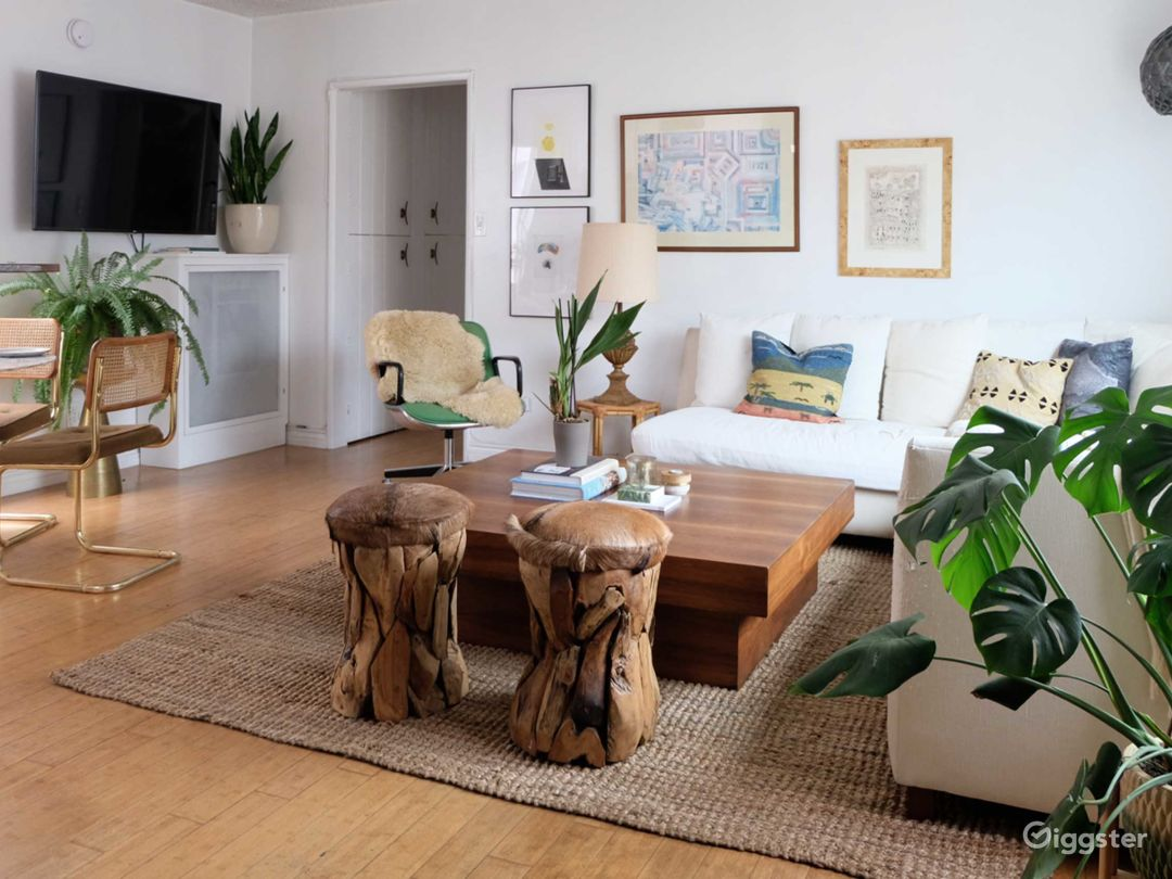 Boho Chic Venice Apt - Sun-Filled w/ Plants Photo 3