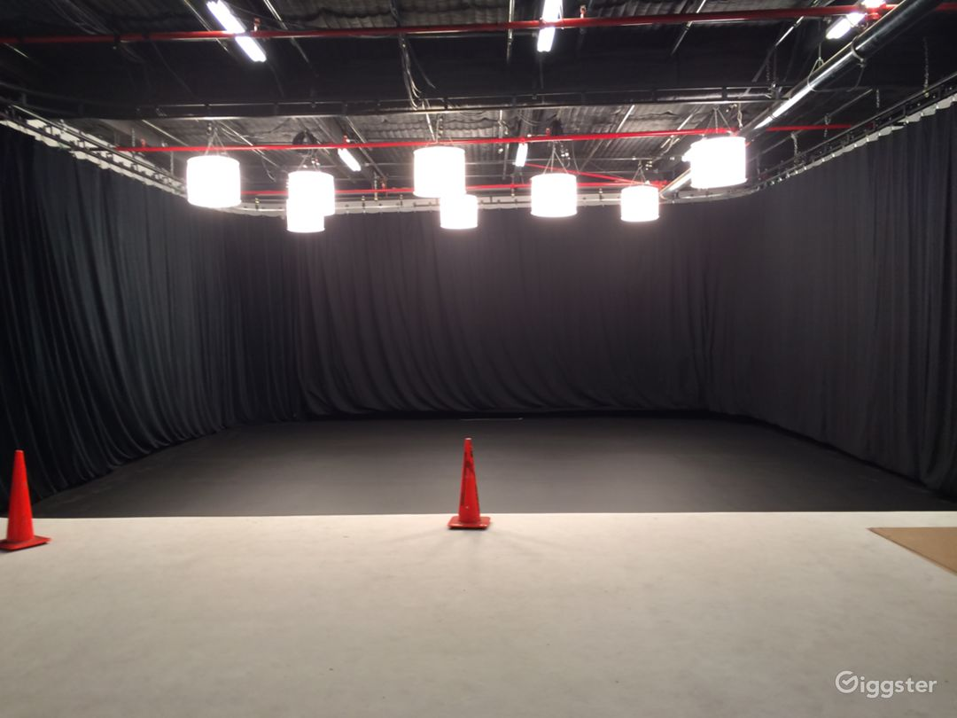 Flexible Burbank Area Sound Stages - Stage 1 & 2 Photo 3