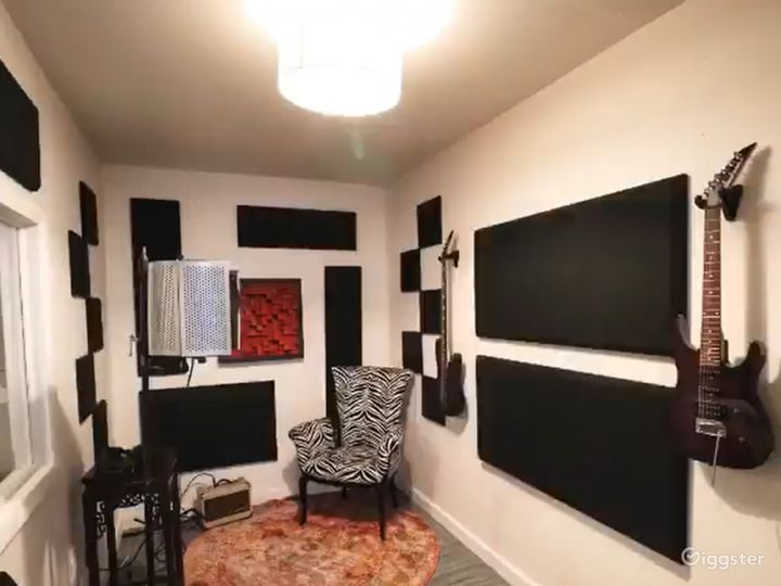 Fully Equipped Recording Studio in Miami Photo 5
