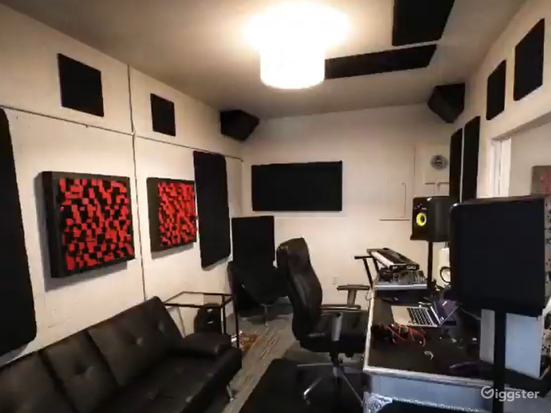 Fully Equipped Recording Studio in Miami Photo 1