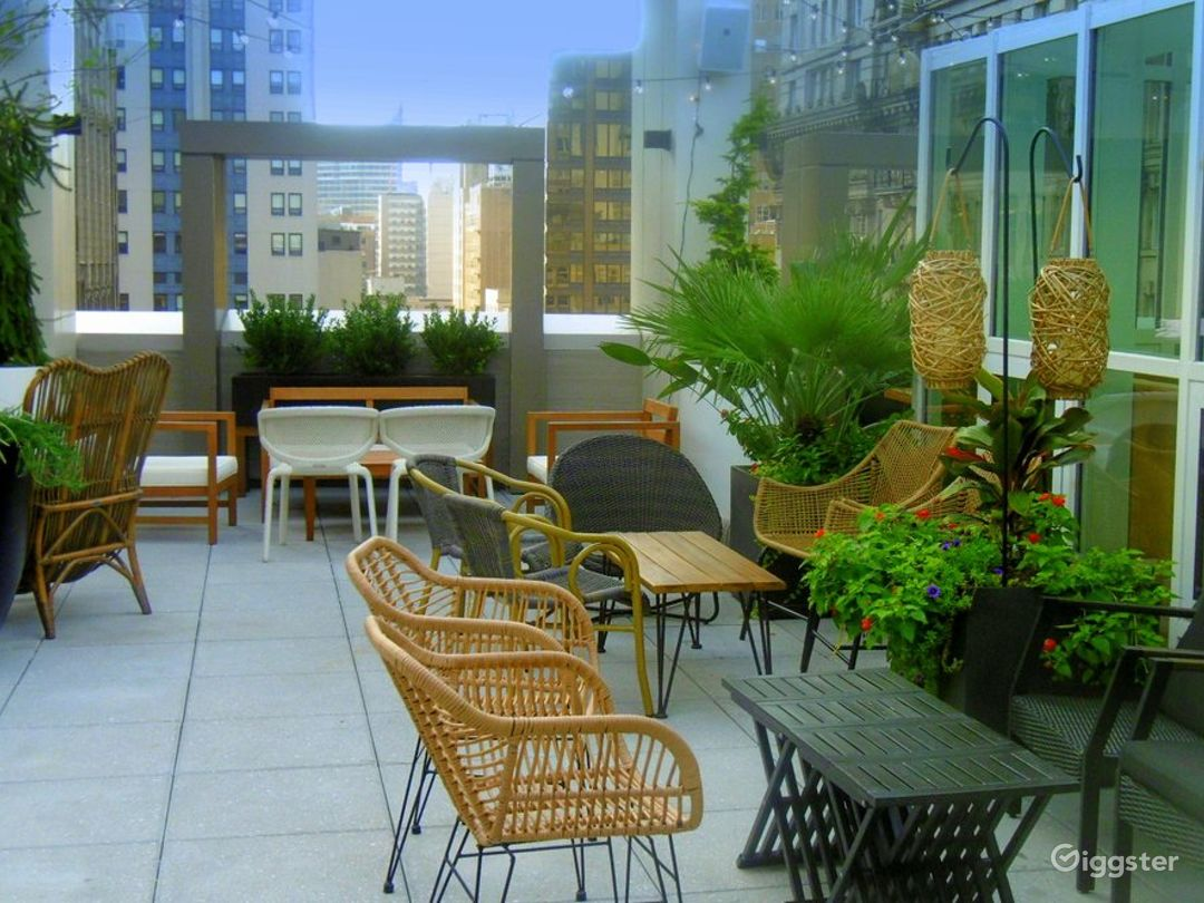 Modern Lounge located in the Heart of Philadelphia (Lounge) Photo 1