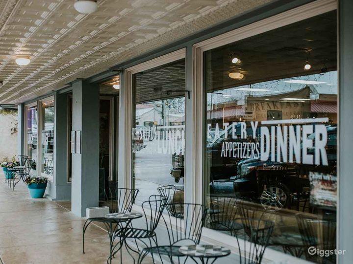 Welcoming Restaurant in Fredericksburg Photo 5