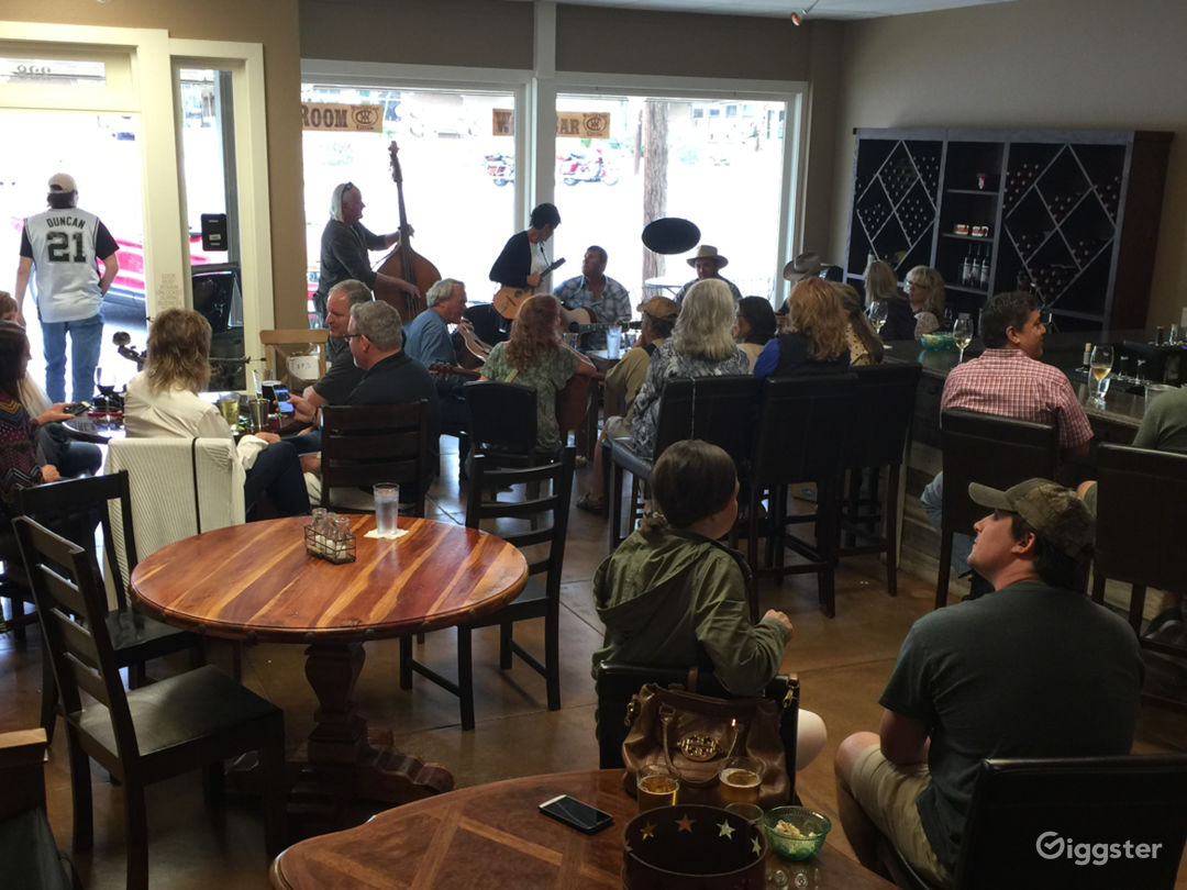 Welcoming Restaurant in Fredericksburg Photo 1