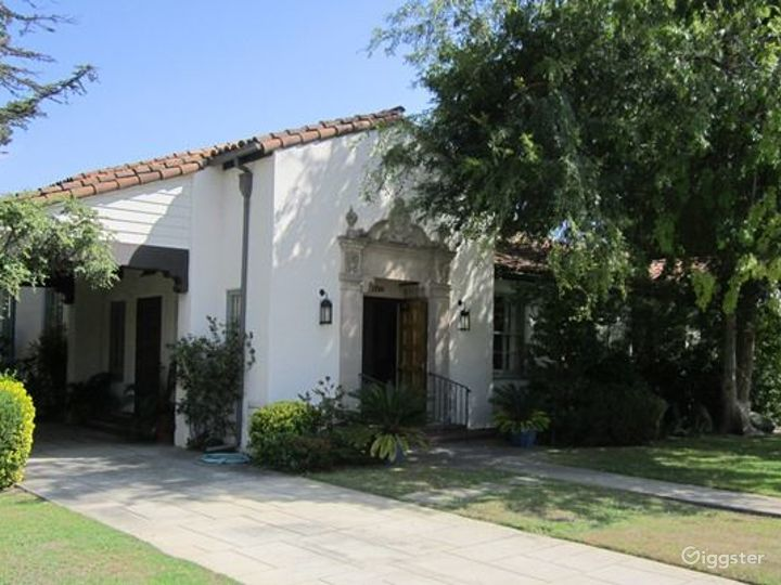 Spanish Colonial Revival Building Photo 2