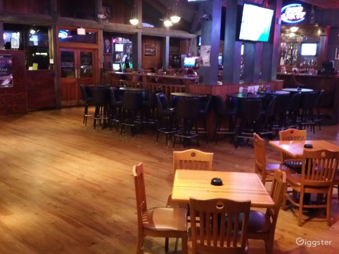 Bar / Restaurant / nightclub  Photo 3