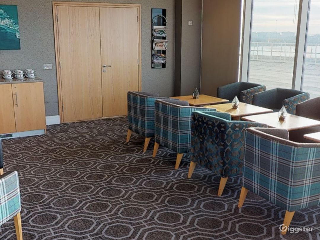 Suite with Panoramic View in Cardiff Photo 1