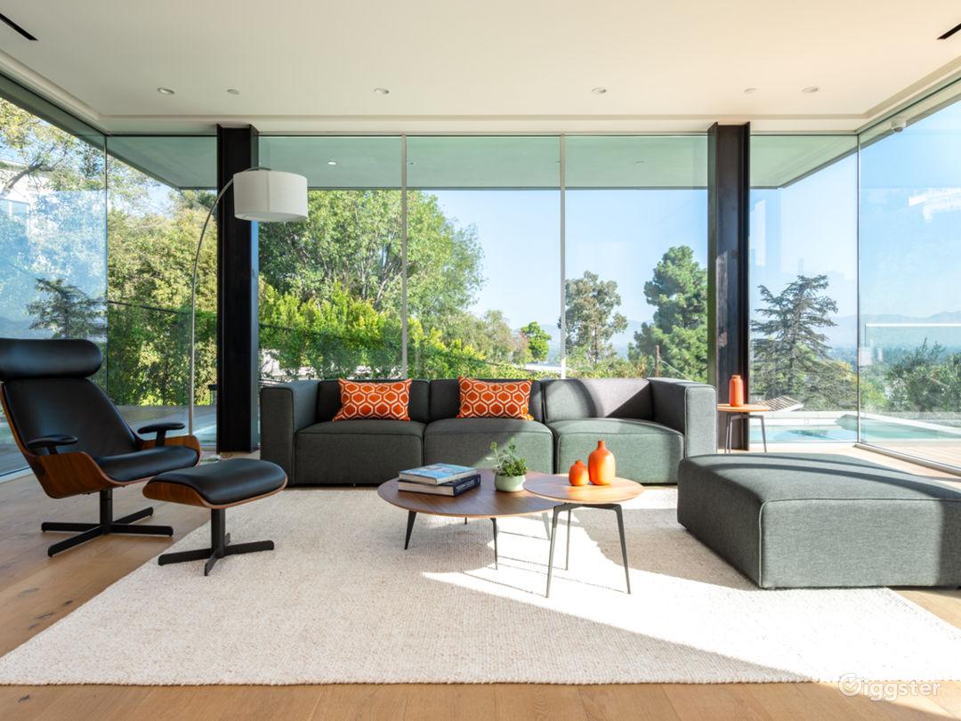 Brand New Contemporary Amazing House! Photo 3