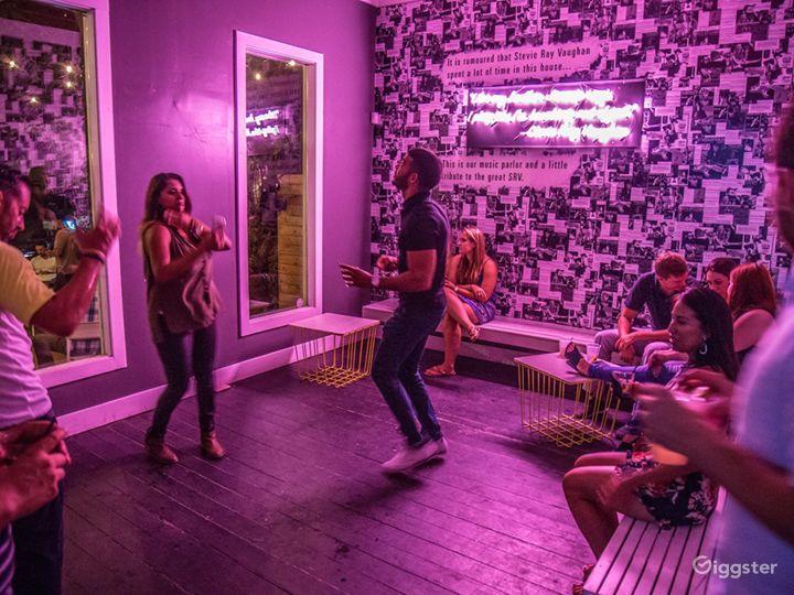 Fun & Trendy Craftsman House w/ Large Patio in Austin Photo 2