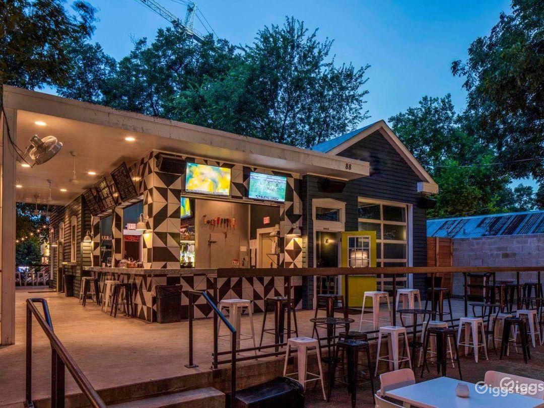 Fun & Trendy Craftsman House w/ Large Patio in Austin Photo 1
