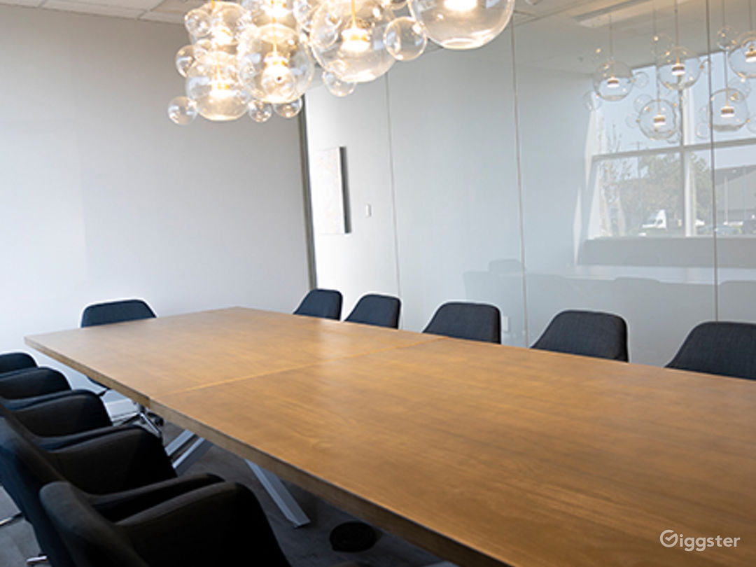 Ventura Conference Room for 16 people Photo 1
