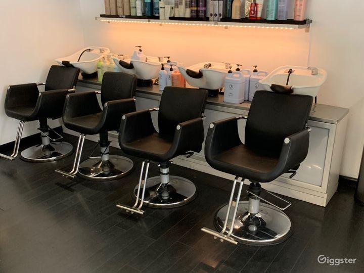 Modern Hair Salon Photo 5
