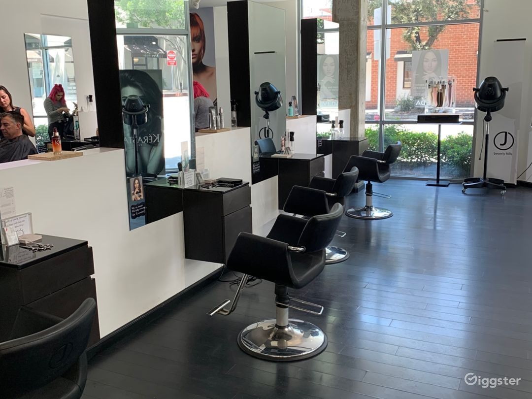 Modern Hair Salon Photo 1