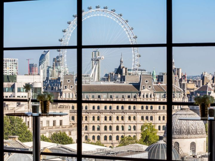 Penthouse with breath-taking panoramic views of London's skyline in Leicester Square, London Photo 3
