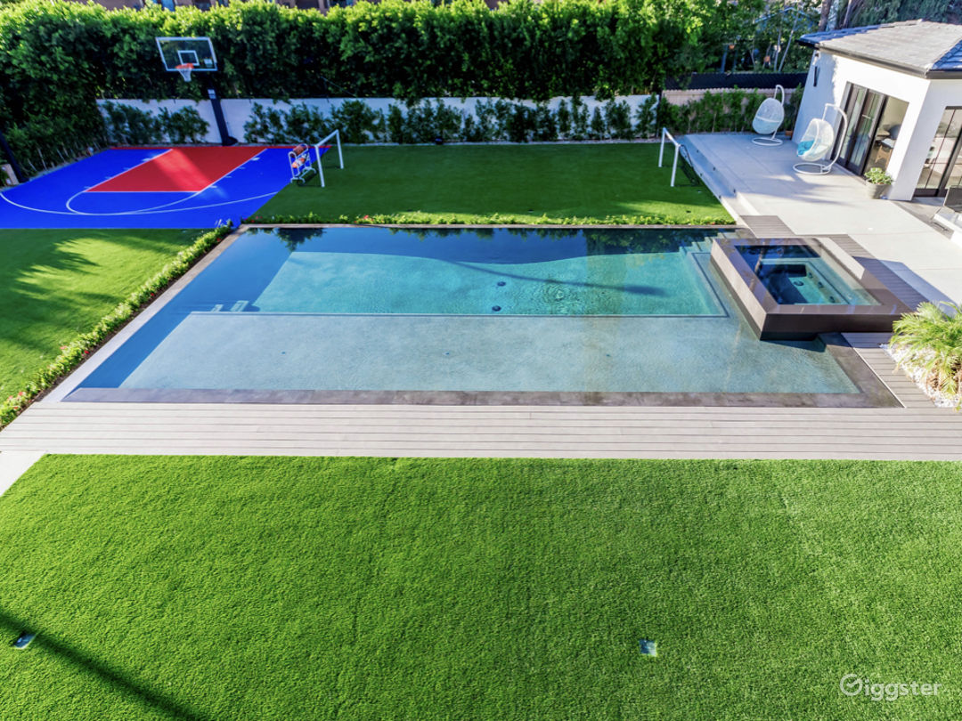 Dream House with Pool, Spa, BB Court, Theater, Bar Photo 5