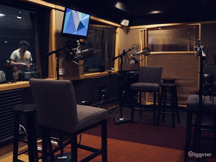 Professionally Designed Full Service Audio Booth Photo 3