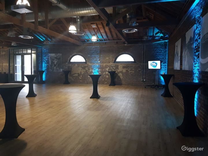 The Quayside Room inside the Museum in London Photo 5