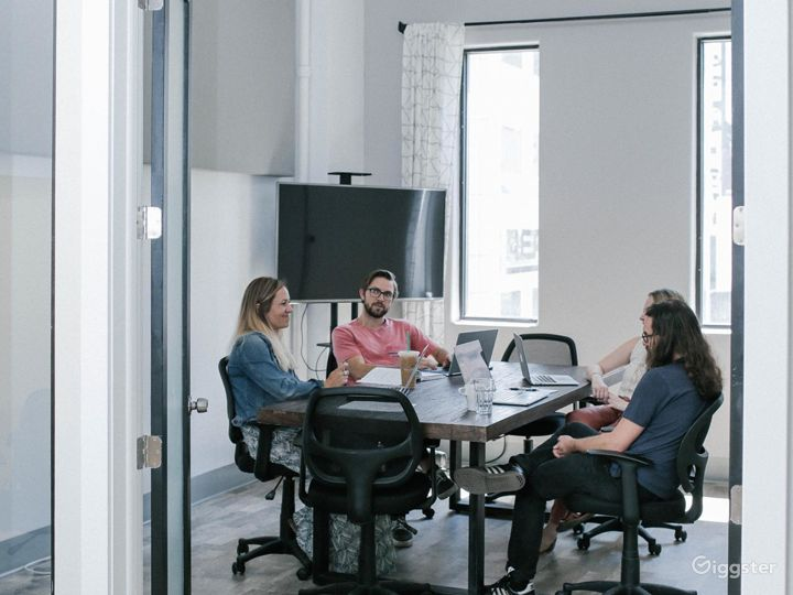 Light-filled & Well-outfitted Conference Room Photo 2