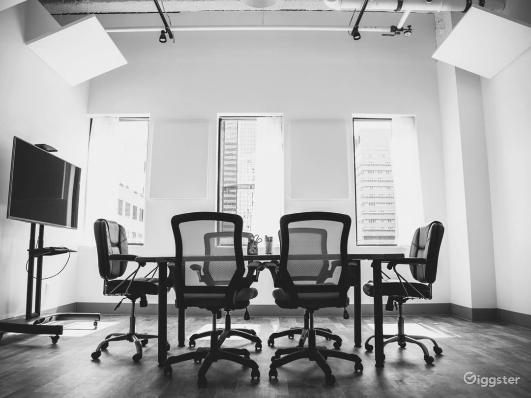 Light-filled & Well-outfitted Conference Room Photo 1