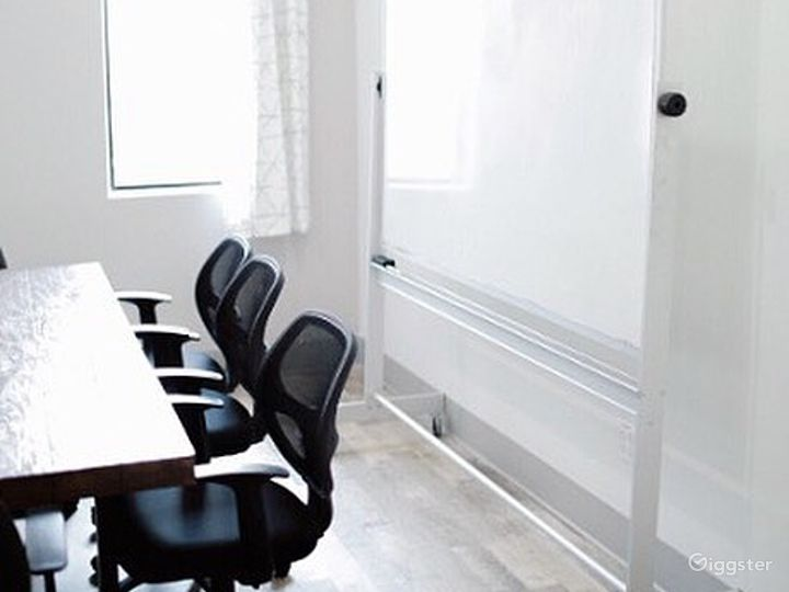 Light-filled & Well-outfitted Conference Room Photo 3