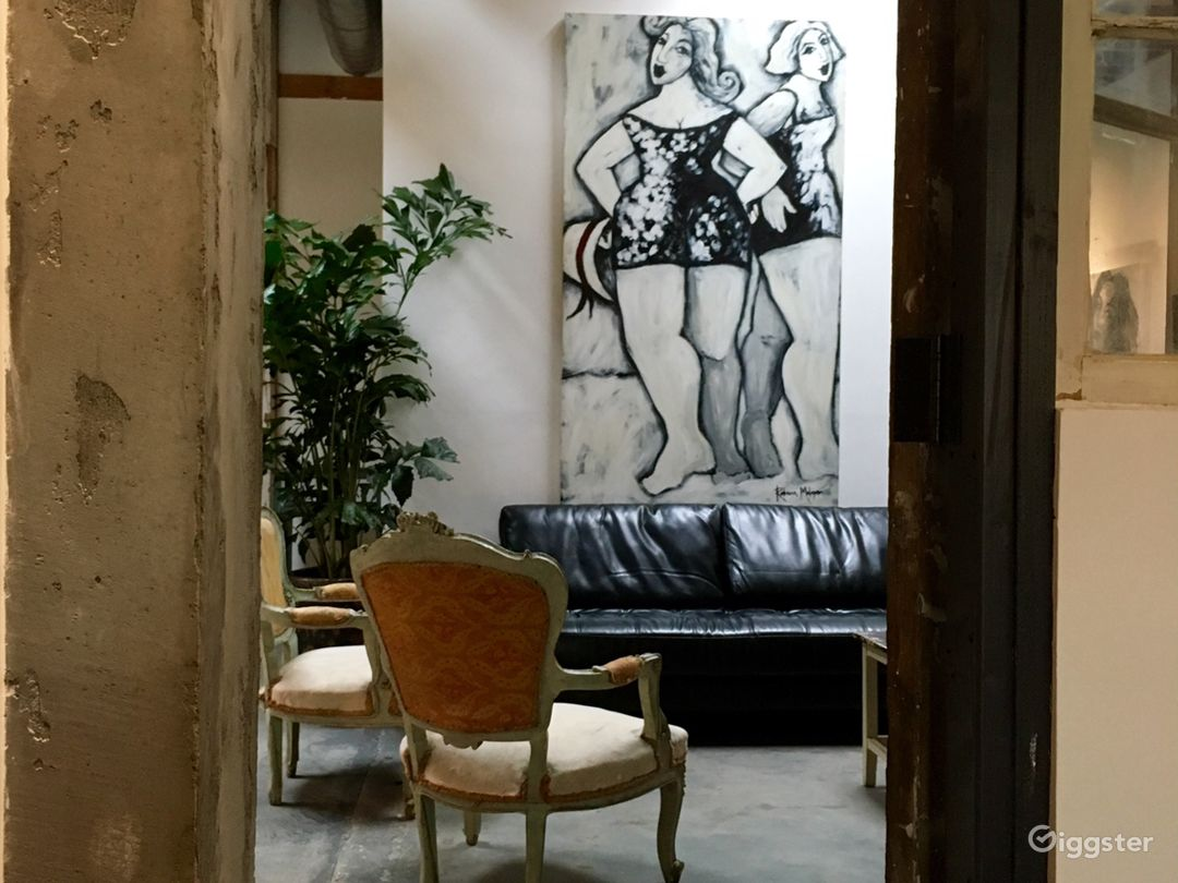 Spacious Industrial Vintage Inspired Gallery Space Photo 4