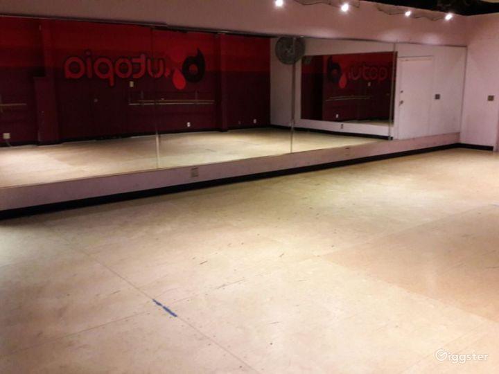 Interesting Dance Room in Torrance Photo 3