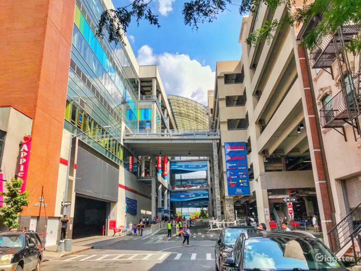 Multi level outdoor shopping Center in East Harlem Photo 5