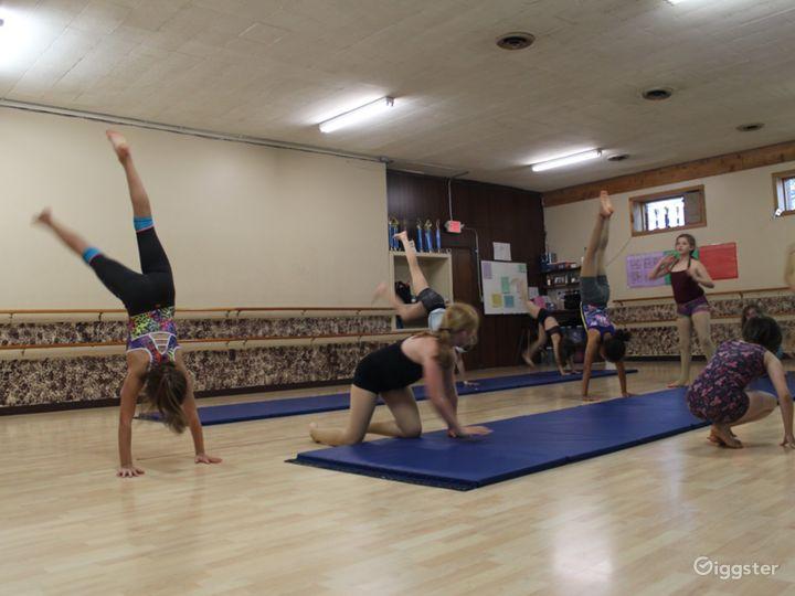 Centrally Located Dance Studio with Hardwood Floors Photo 5