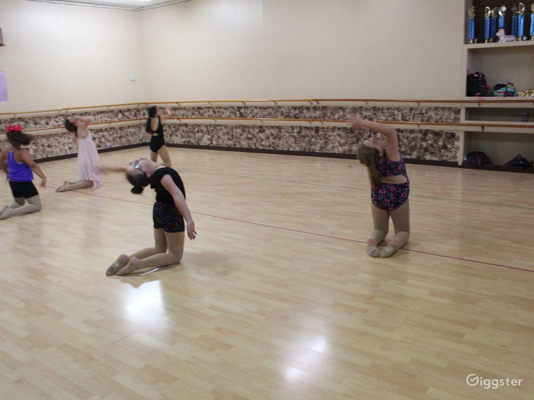 Centrally Located Dance Studio with Hardwood Floors Photo 1