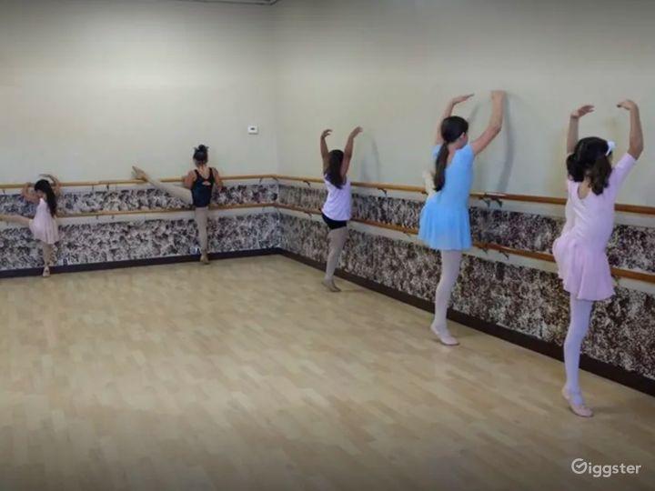 Centrally Located Dance Studio with Hardwood Floors Photo 4