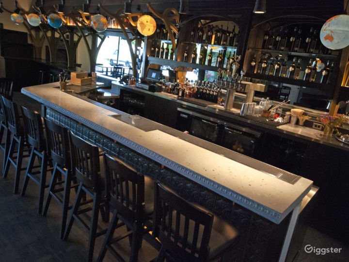 Vintage and Classy Bar in Vista Photo 3