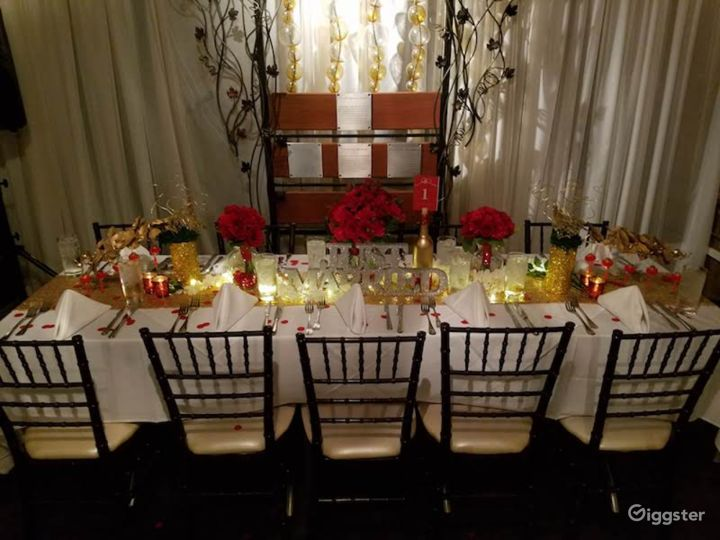 Intimate Dining Space Photo 4