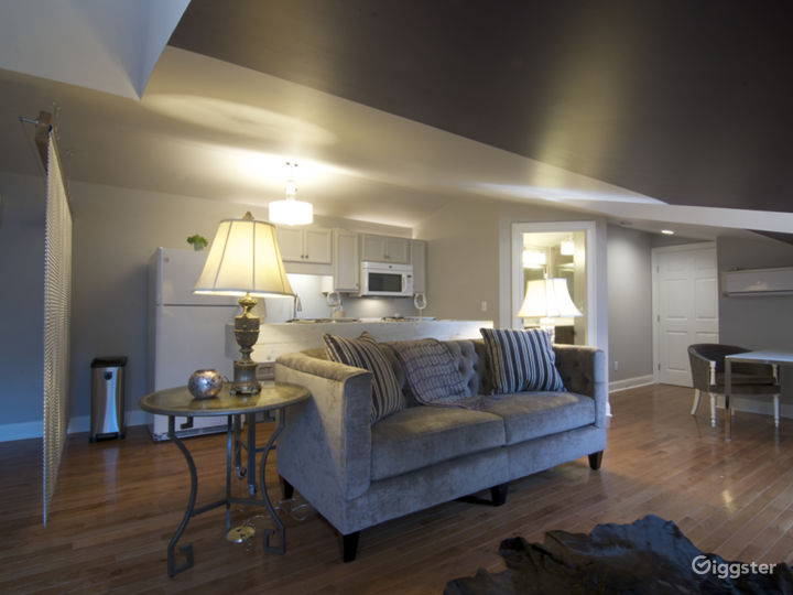 Totally Luxurious Private Suite Photo 2