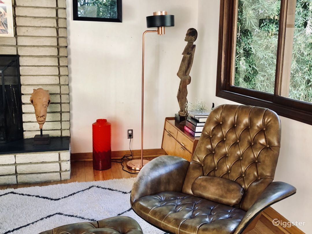 MID CENTURY WITH SPIRAL STAIR CASE IN HOLLYWOOD Photo 3