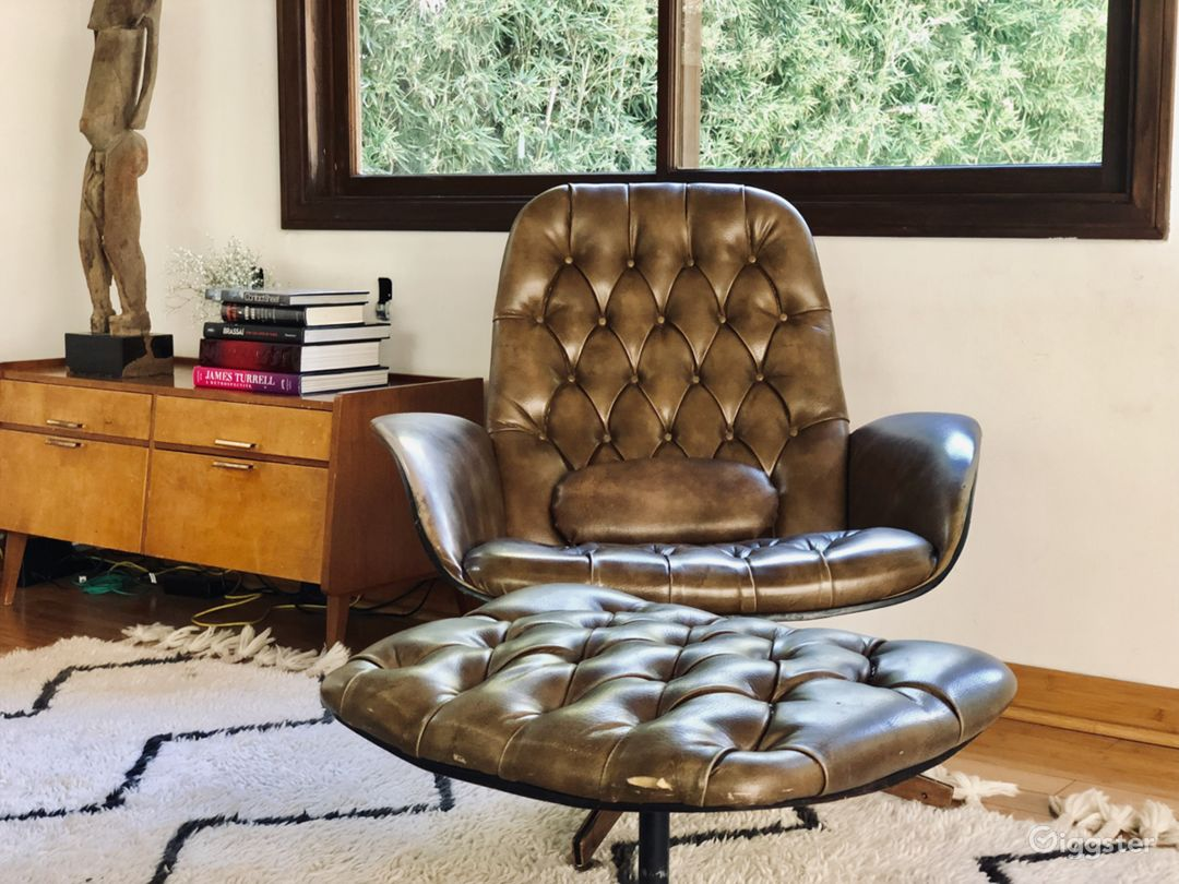 MID CENTURY WITH SPIRAL STAIR CASE IN HOLLYWOOD Photo 4