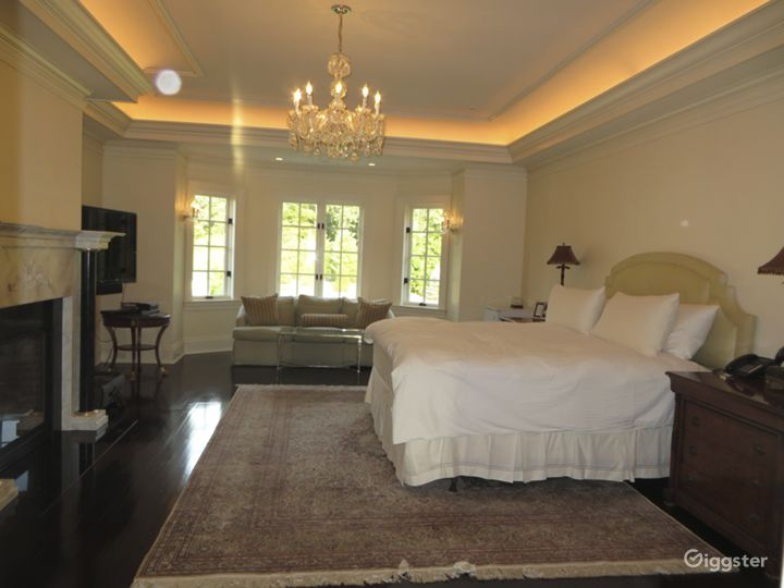Large chateau style mansion estate: Location 5008 Photo 4