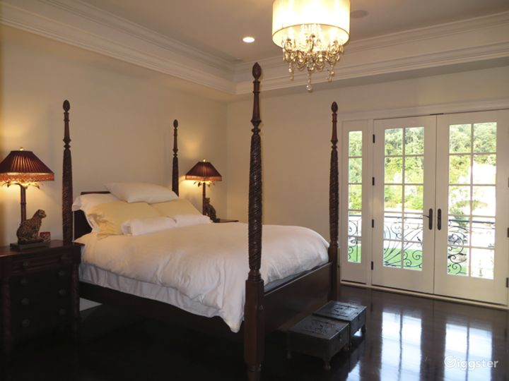 Large chateau style mansion estate: Location 5008 Photo 5