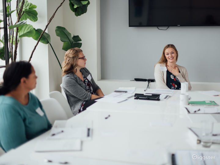 Bright Modern Meeting & Conference Room Photo 2