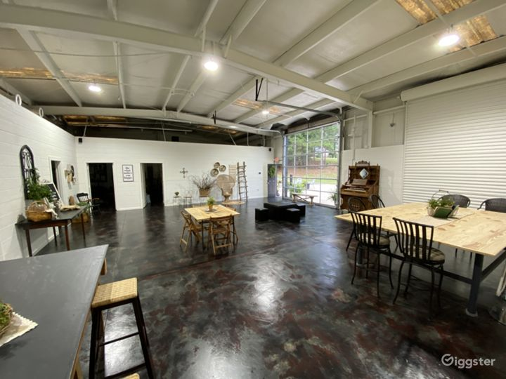 Indoor view of Sanctuaire Atelier Studio Warehouse space.  All furniture is easily moved to create the environment of your choice.