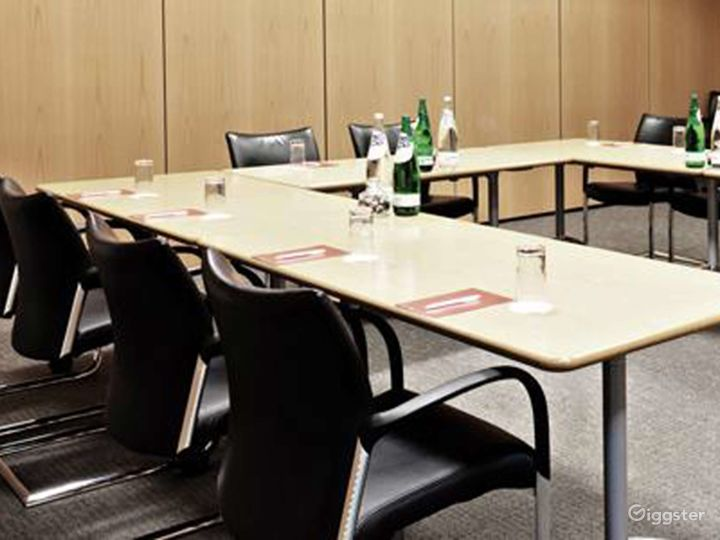 Combined Functional Meeting Room for up to 80 people in in Reading Photo 5